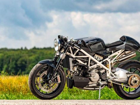 Moto Ducati 1098 café acer black widow